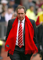 Liverpool's manager Gérard Houllier walks out to face Manchester United during the Premiership match at Old Trafford, Manchester, Saturday, March 5th, 2003.<br /><br />Pic by David Rawcliffe/Propaganda<br /><br />Any problems call David Rawcliffe +44(0)7973 14 2020 david@propaganda-photo.com http://www.propaganda-photo.com