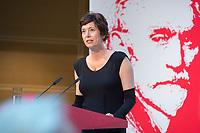 04 MAY 2015, BERLIN/GERMANY:<br /> Eva Menasse, Schriftstellerin, spricht, waehrend der<br /> Verleihung des August-Bebel-Preises an Klaus Staeck, Willy-Brandt-Haus<br /> IMAGE: 20150504-03-005