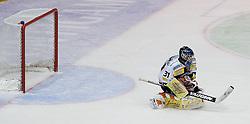 31.10.2010, Eisstadion Liebenau, Graz, AUT, EBEL, Graz 99ers vs Vienna Capitals, im Bild Fabian Weinhandl (Graz 99ers), EXPA Pictures © 2010, PhotoCredit: EXPA/ Erwin Scheriau