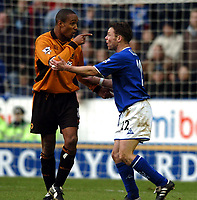 Fotball<br /> Premier League England 2003/2004<br /> 28.02.2004<br /> Foto: Digitalsport<br /> Norway Only<br /> <br /> PAUL INCE WOLVES AND PAUL DIKOV LEICESTER CITY ARGUE <br /> LEICESTER CITY V WOLVERHAMPTON WANDERERS