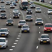 Nederland Rotterdam 1 september 2008 Foto: David Rozing .Avondspits op A16 E19 ter hoogte van Ijsselmonde..Foto David Rozing