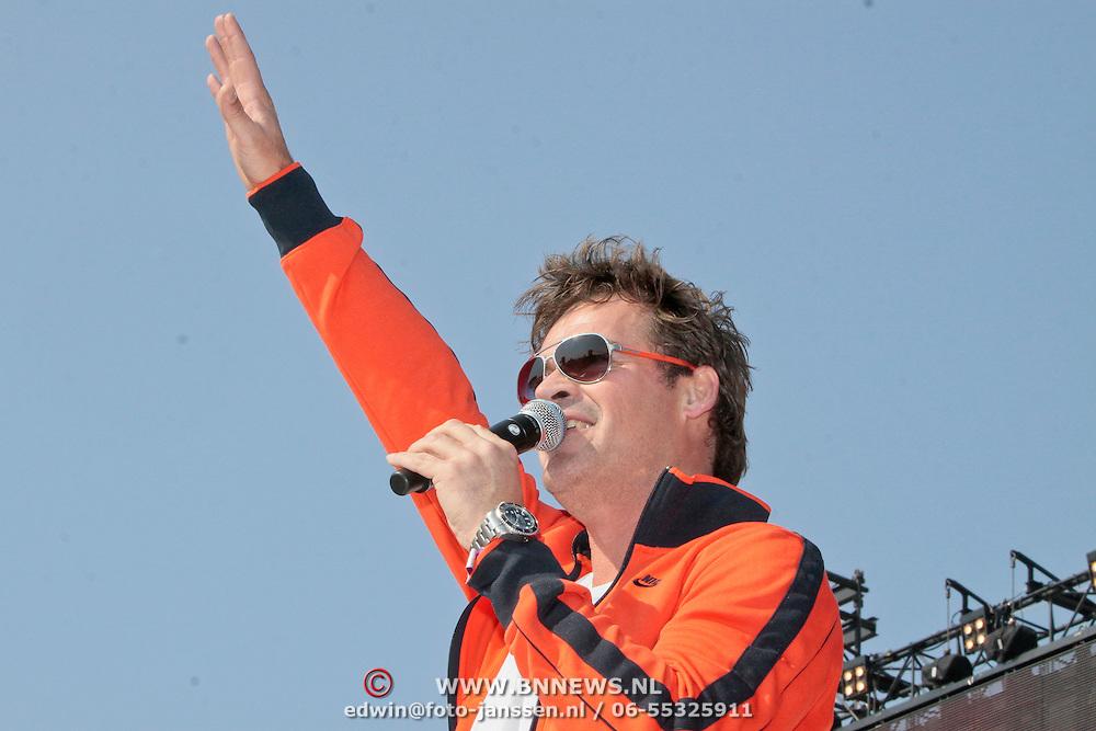 NLD/Amsterdam/20110430 - Koninginnedagconcert Radio 538, Jeroen van der Boom