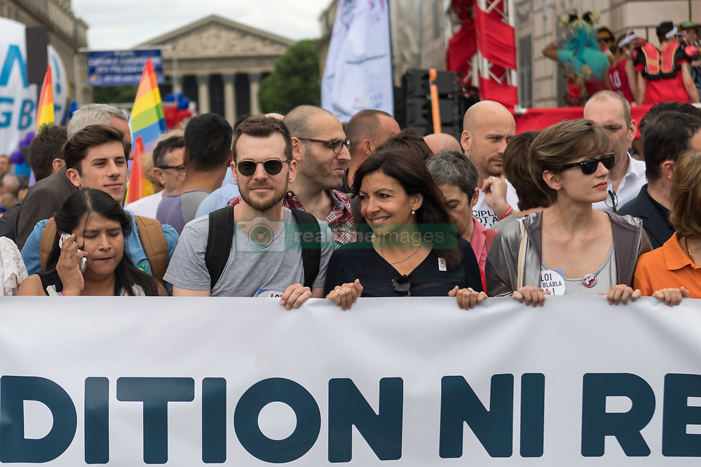 June 24, 2017 - Paris, France - Paris' Mayor Anne Hidalgo (C) march during Gay Pride 2015 in Paris, on June 24th 2017. 2017 marks the 40th anniversary of the first Gay Pride March in the French capital. (Credit Image: © Julien Mattia/NurPhoto via ZUMA Press)