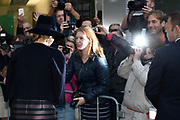 Koning Willem-Alexander en koningin Maxima tijdens de opening van de tentoonstelling Mapping Australia in het Aboriginal Art Museum (AAMU) in Utrecht. Het koningspaar bezoekt de tentoonstelling in aanloop naar de staatsbezoeken aan Australie en Nieuw-Zeeland. <br /> <br /> King Willem-Alexander and Queen Maxima at the opening of the exhibition Mapping Australia in the Aboriginal Art Museum (AAMU) in Utrecht. The royal couple will visit the exhibition in preparation for the state visit to Australia and New Zealand.<br /> <br /> Op de foto / On the photo:  Vertrek Koning Willem-Alexander en koningin Maxima  ////  King Willem-Alexander and Queen Maxima leave