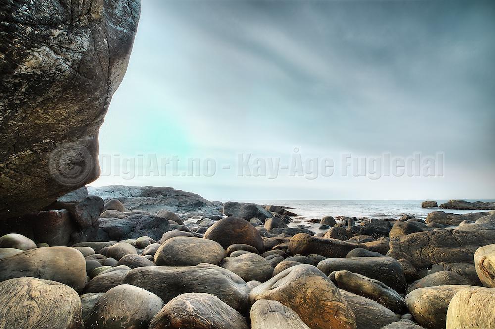 This image is from a shoreline nearby Ulsteinvik, Norway   Dette bildet er fra fjøra i nærheten av Ulsteinvik, Norge