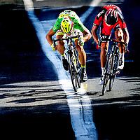 Frankrijk, Muret, 17-07-2015.<br /> Wielrennen, Tour de France.<br /> Etappe van Muret naar Rodez.<br /> Greg van Avermaat van BMC ( rechts ) wint de sprint voor de etappewinst van Peter Sagan van Tinkoff Saxo in de Groene Trui.<br /> Foto: Klaas Jan van der Weij