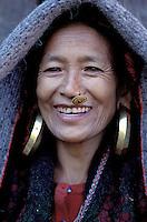 Nepal - Region de Gorkha -  femme d'ethnie Gurung - Sourire
