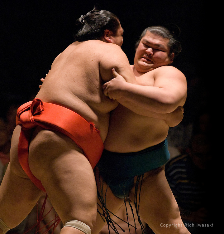 Miyabiyama (left) and Takekaze compete in the second round of Day 1 of Grand Sumo Tournament Los Angeles 2008, Los Angeles Sports Arena, Los Angeles, California