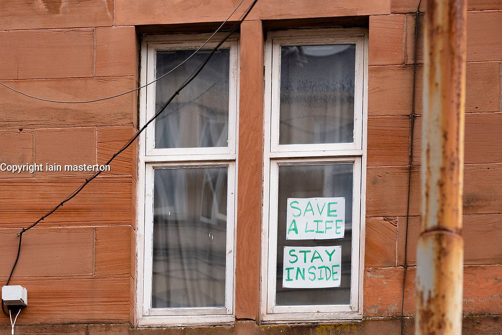 Glasgow, Scotland, UK. 3 April, 2020. Images from the south side of Glasgow at the end of the second week of Coronavirus lockdown. Pictured; hand drawn messages in windows of flats in Govanhill and Shawlands. Iain Masterton/Alamy Live News