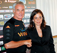 Fotball<br /> Italia<br /> Foto: Inside/Digitalsport<br /> NORWAY ONLY<br /> <br /> Claudio Ranieri during his first press conference as As Roma coach with As Roma President Rosella Sensi<br /> <br /> 02.09.2009<br /> Serie A 2009/2010