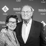 NLD/Amsterdam/20151123 - 5 jaar Delamar theater en 10 Jaar Van den Ende Foundation viering, Janine Klijburg en partner Joop van den Ende