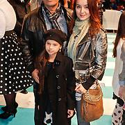 NLD/Amsterdam/20101114 - Premiere kinderfilm Dik Trom, jennifer de Jong, partner Mike Kepel en dochter