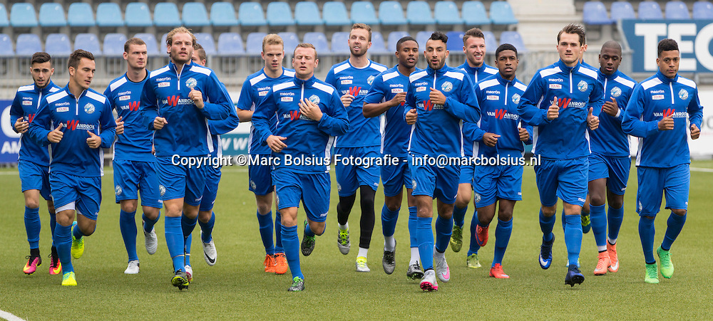 Nederland,  Den Bosch, de eerste traing van het seizoen voor jupiler voetbalclub FC Den Bosch, met Trainercoach Wiljan Vloet, Paul beekmans,Jan van Grinsven en Eric van de Ven
