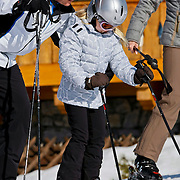 AUD/Lech/20110219 - Fotosessie Nederlandse Koninklijke Familie 2011 op wintersport in Lech Willem Alexander, Maxima en dochter Amalia