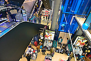 Nederland, Nijmegen, 31-3-2014Vandaag opent deze Primark vestiging, filiaal haar deuren, en er is meteen grote belangstelling van publiek, klanten. de modeketen is gevestigd aan het vernieuwde Plein 44, plein44 en moet een impuls voor de binnenstad betekenen.Foto: Flip Franssen/Hollandse Hoogte