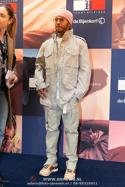NLD/Amsterdam/20200229 - Lewis Hamilton lanceert de kledinglijn TommyXLewis, Lewis Hamilton met zijn ontworpen kleding voor Tommy Hilfiger