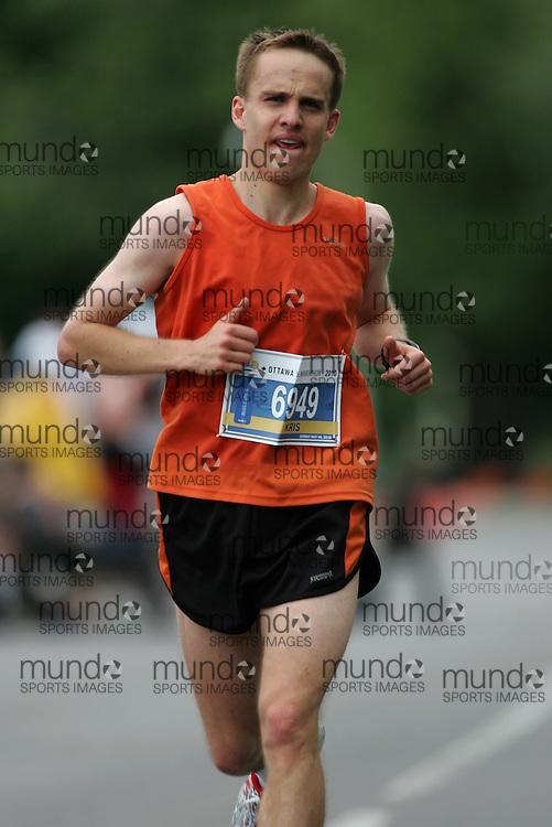 (Ottawa, ON --- May 30, 2010) KRIS SHAW running in the half-marathon during the Ottawa Race Weekend. Photograph copyright Sean Burges / Mundo Sport Images