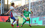 Sheffield United's Sander Berge has his shot blocked by Crystal Palace's goalkeeper Vicente Guaita during the Premier League match at Selhurst Park, London. Picture date: 1st February 2020. Picture credit should read: Paul Terry/Sportimage