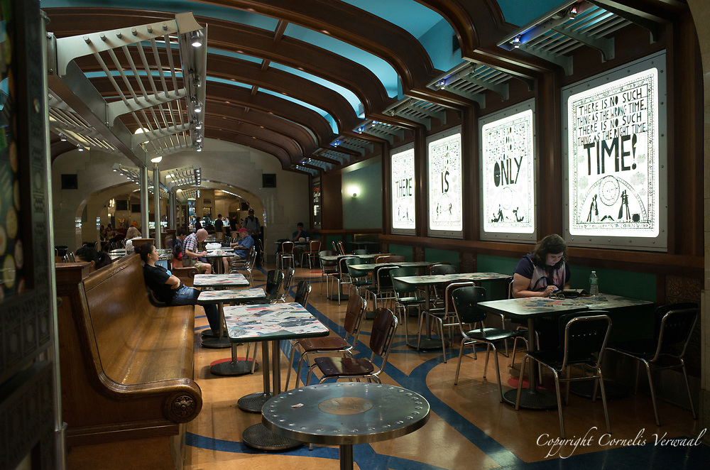 Grand Central concourse dining area