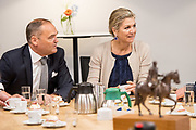 Koningin Maxima tijdens een werkbezoek aan Bouwgroep Dijkstra Draisma in Dokkum. De bouwgroep is winnaar van de Koning Willem I Prijs 2018 in de categorie MKB.<br /> <br /> Queen Maxima during a working visit to Bouwgroep Dijkstra Draisma in Dokkum. The construction group is the winner of the King Willem I Prize 2018 in the SME category.