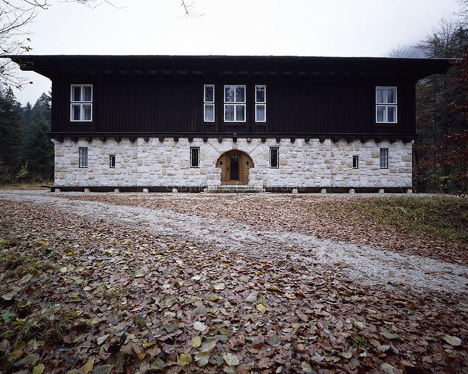 Royal Hunting Mansion
