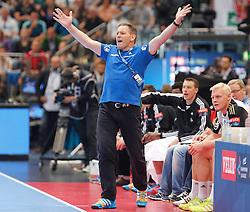 31.05.2014, Lanxess Arena, Koeln, GER, EHF CL, MKB MVM Veszprem vs THW Kiel, Halbfinale, im Bild Trainer Alfred Gislason (THW Kiel) beim Torjubel // during the EHF Champions League semifinal match between MKB-MVM Veszprem and THW Kiel at the Lanxess Arena in Koeln, Germany on 2014/05/31. EXPA Pictures © 2014, PhotoCredit: EXPA/ Eibner-Pressefoto/ Schueler<br /> <br /> *****ATTENTION - OUT of GER*****