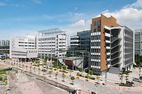 Hong Kong university campus in Shenzhen (China). Architects: Aedas HK