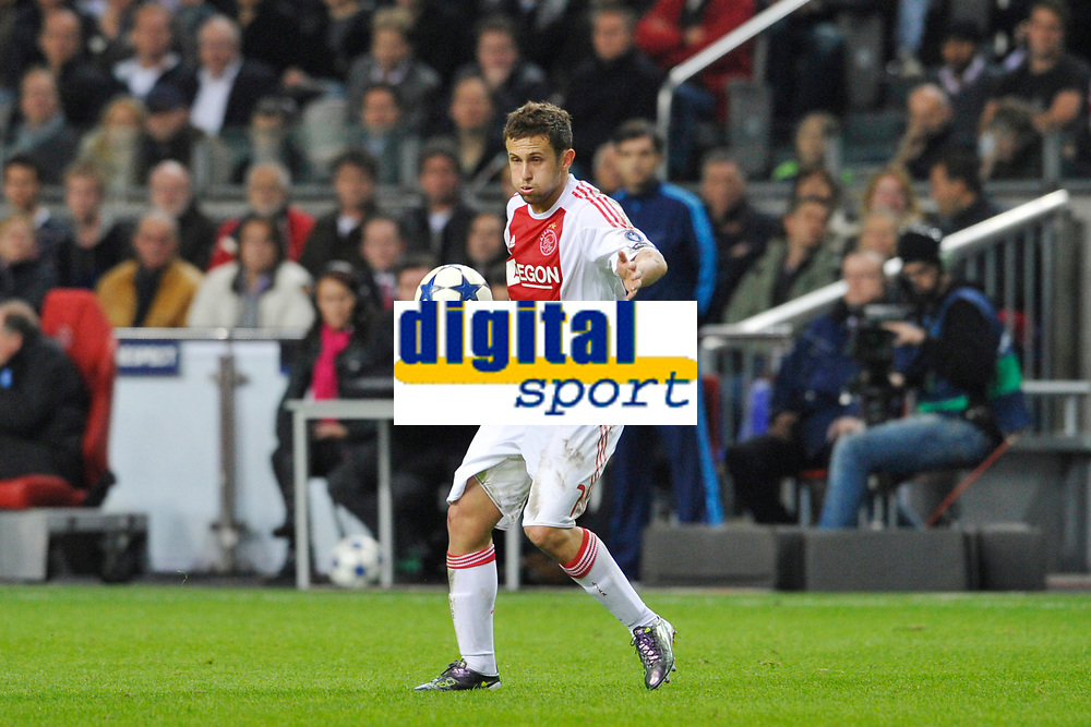FOOTBALL - UEFA CHAMPIONS LEAGUE 2010/2011 - GROUP STAGE - GROUP G - AJAX AMSTERDAM v AJ AUXERRE - 19/10/2010 - PHOTO GUY JEFFROY / DPPI - MIRALEM SULEJMANI (AJAX)