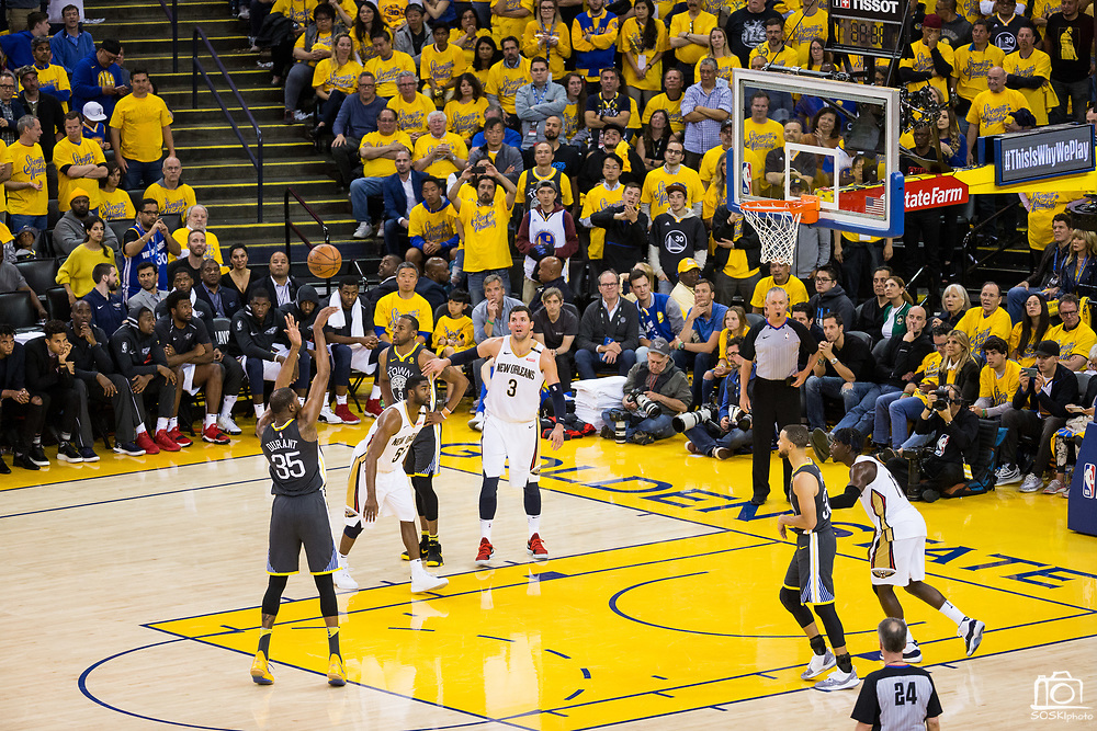 Golden State Warriors forward Kevin Durant (35) shoots a freethrow against the New Orleans Pelicans at Oracle Arena during Game 2 of the Western Semifinals in Oakland, California, on May 1, 2018. (Stan Olszewski/Special to S.F. Examiner)