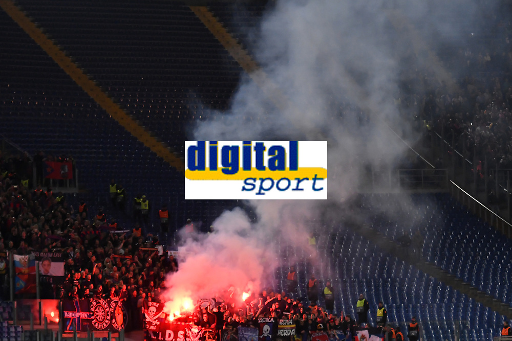 CSKA Moskow fans light flares during the Uefa Champions League 2018/2019 Group G football match between AS Roma and CSKA Moscow at Olimpico stadium Allianz Stadium, Rome, October, 23, 2018 <br />  Foto Andrea Staccioli / Insidefoto