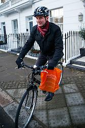 © Licensed to London News Pictures. 14/01/2016. London, UK. Health Secretary Jeremy Hunt leaving his London home on Thursday, 14 January 2016. Photo credit: Tolga Akmen/LNP