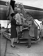 Special for Aer Lingus - Arrival from new York of Mrs Bradley Kelly, vice-president of King Features Syndicate.02/05/1959
