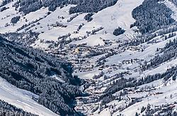 THEMENBILD - Blick in das Glemmtal und Saalbach mit den umliegenden Bergen und Skipisten, aufgenommen am 5. Feber 2018 in Zell am See - Kaprun, Österreich // the Glemmtal with Saalbach and the surrounding mountains and ski slopes , Zell am See Kaprun, Austria on 2018/02/05. EXPA Pictures © 2018, PhotoCredit: EXPA/ JFK