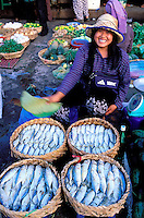 Cambodge, Phnom Penh, marché central // Cambodia, Phnom Penh, central market
