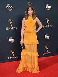 Mandy Moore bei der Verleihung der 68. Primetime Emmy Awards in Los Angeles / 180916<br /> <br /> *** 68th Primetime Emmy Awards in Los Angeles, California on September 18th, 2016***