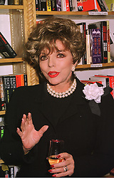 Actress JOAN COLLINS at a party in London on 2nd December 1998.<br /> MMO 16