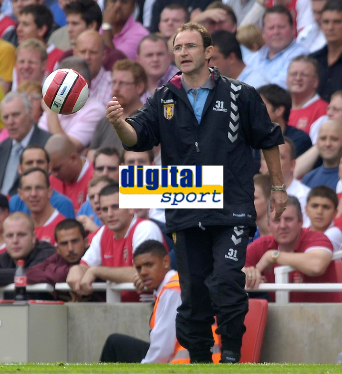 Photo: Daniel Hambury.<br />Arsenal v Aston Villa. The Barclays Premiership. 19/08/2006.<br />Villa's manager Martin O'Neill.