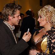 Radio 2 Gala vh Nederlandse Lied 2005, Mike Barzilay in gesprek met Karin Bloemen
