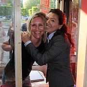 NLD/Amsterdam/20120525 - Start Lock Me Up - Free A Girl actie, Evelien Holsken en Wimmy Hu