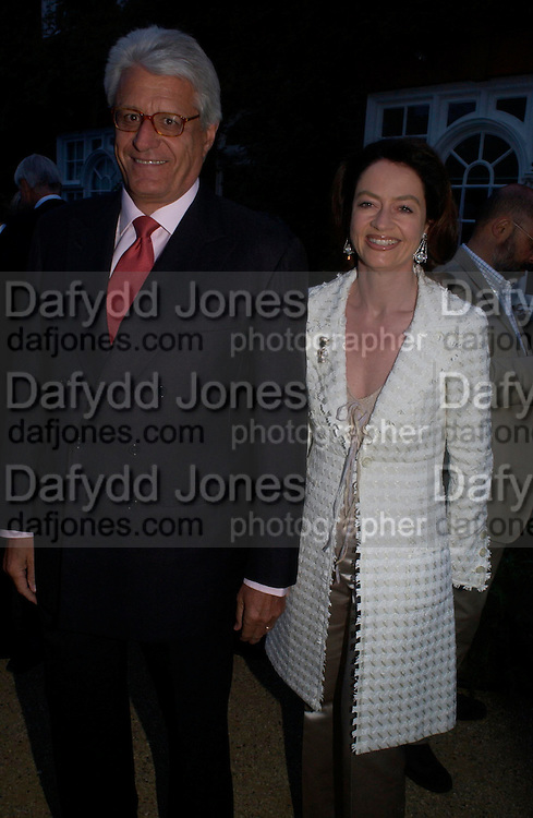 Dr. and Mrs. Gert Rulolph Flick. Cartier dinner after thecharity preview of the Chelsea Flower show. Chelsea Physic Garden. 23 May 2005. ONE TIME USE ONLY - DO NOT ARCHIVE  © Copyright Photograph by Dafydd Jones 66 Stockwell Park Rd. London SW9 0DA Tel 020 7733 0108 www.dafjones.com