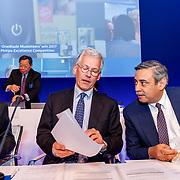 NLD/Amsterdam/20180503 - Aandeelhoudersvergadering Royal Philips 2018, Jeroen van der Veer,  Frans van Houten en Abhijit Bhattacharva