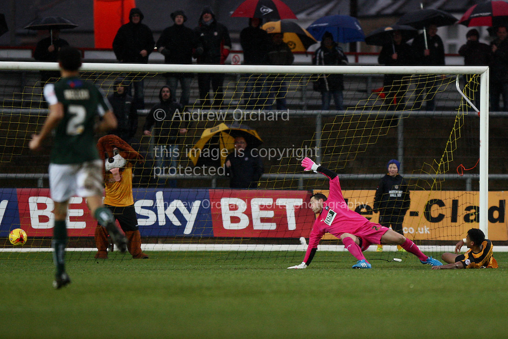 Shaun Jeffers of Newport County goes close with an effort on goal. Skybet football league two match, Newport County v Plymouth Argyle at Rodney Parade in Newport, South Wales on Boxing Day, Friday 26th December 2014<br /> pic by Mark Hawkins, Andrew Orchard sports photography.