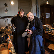 The brother shoemaker in his workshop. 09-01-16<br /> Le frère cordonnier dans son atelier. 09-01-16