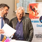NLD/Den Haag/20180920 - Minister Ingrid van Engelshoven reikt de Life Time Achievement Award uit aan Thomas Tol, Directeur Buma leest het juryrapport voor aan Thomas Tol