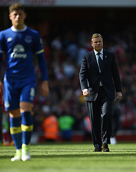 Everton's Ross Barkley and manager Ronald Koeman at full time