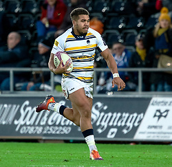 Ollie Lawrence of Worcester Warriors<br /> <br /> Photographer Simon King/Replay Images<br /> <br /> European Rugby Challenge Cup Round 5 - Ospreys v Worcester Warriors - Saturday 12th January 2019 - Liberty Stadium - Swansea<br /> <br /> World Copyright © Replay Images . All rights reserved. info@replayimages.co.uk - http://replayimages.co.uk