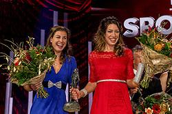 21-12-2016 NED: Sportgala NOC * NSF 2016, Amsterdam<br /> In de Amsterdamse RAI vindt het traditionele NOC NSF Sportgala weer plaats / De winnaars op het podium, met (VLNR) Ilse Paulis en Maaike Head tijdens het NOC*NSF Sportgala