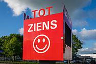 11-05-2020: Wolvega, Weststellingwerf - Welkom en tot ziens-bord langs Om Den Noort