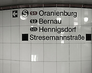 Berlin GERMANY,  Directions for trains displayed on the tiled walkways, Banhof/Station 'Potsdamer Platz', Tuesday 16/06/2009, [Mandatory Credit. Peter Spurrier/Intersport Images] Street Photos