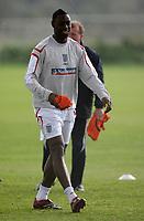 Photo: Paul Thomas.<br />England training session. 04/10/2006.<br /><br />Ledley King.